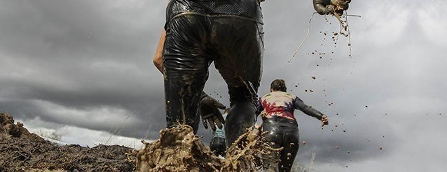 maxinutrition-training-tips-plans-mud-obstacle-running-desktop.jpg